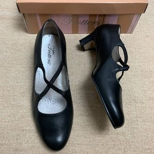 """Trotters """"Jamie"""" Mary Jane Leather Pumps-7"""